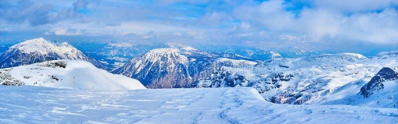 Landskapet av nordliga kalkstenfjällängar, Dachstein massiv, Salzkammergut, Österrike royaltyfri fotografi