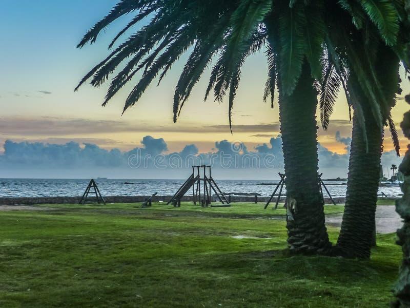 Landskapkust av Montevideo arkivbilder