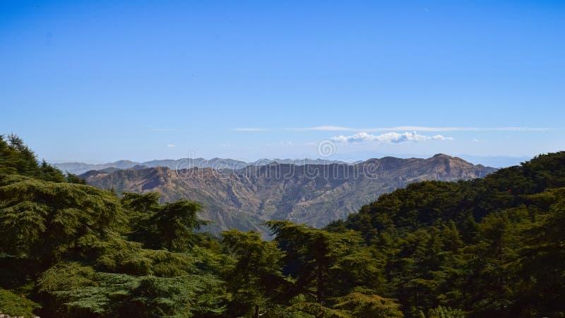 Landskapsikt av chreaberg, Algeriet på 2018 oktober den soliga dagen royaltyfri foto