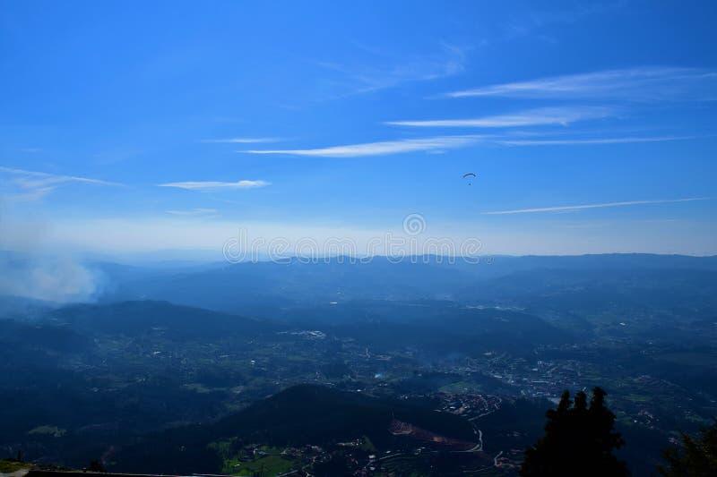 Landskapsikt av Mondim de Basto royaltyfria foton
