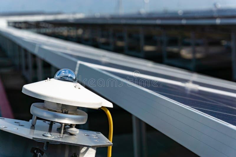 Landskapsikt av sol- energi, grön energi, säker miljö, ren energi, Thailand royaltyfria foton