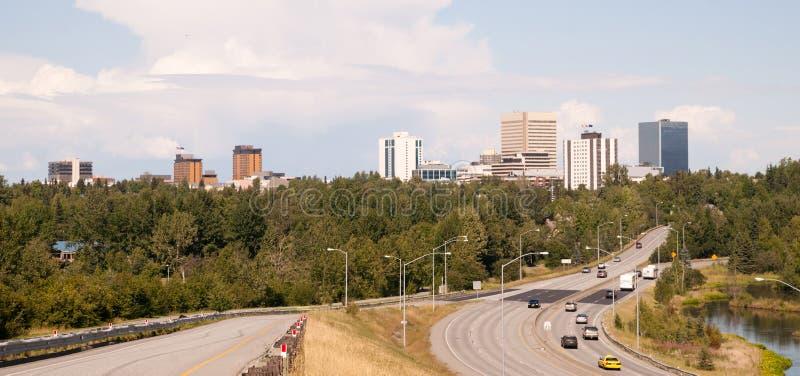 Landstraße führt zu Anchorage Alaska USA Nordamerika stockbild