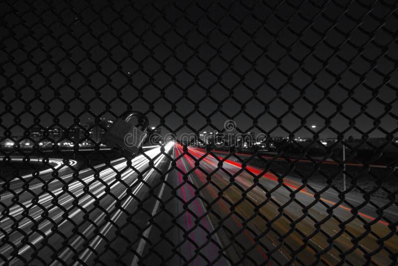 Landstraße nachts lizenzfreie stockfotos