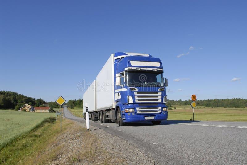 Download Landstransport fotografering för bildbyråer. Bild av leverans - 998909