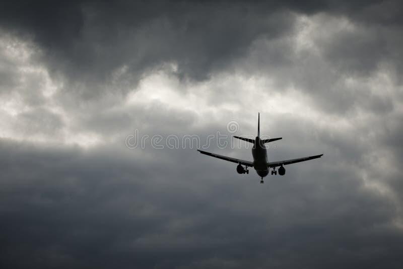 Landung im falschen Wetter lizenzfreies stockbild