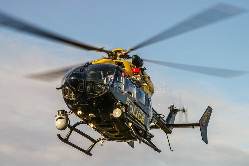 Landung Polizeihubschrauber Eurocopter EC145 lizenzfreies stockfoto