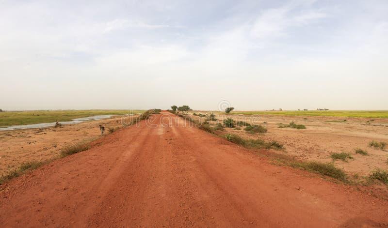Landweg in Mali stock fotografie
