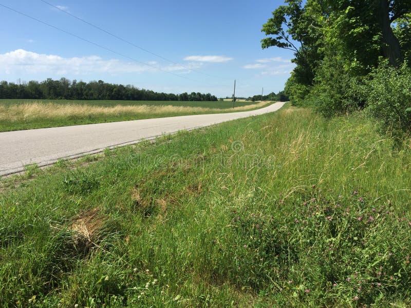 Landweg op een aardig vreedzaam gebied in Goderich Ontario Canada royalty-vrije stock fotografie