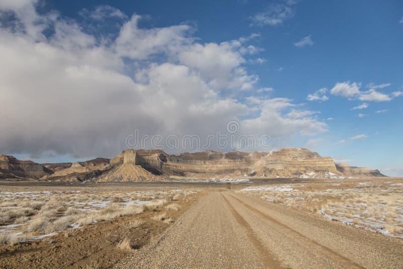 Landweg vooruit in het landschap van Utah van Wilde Westennen royalty-vrije stock foto