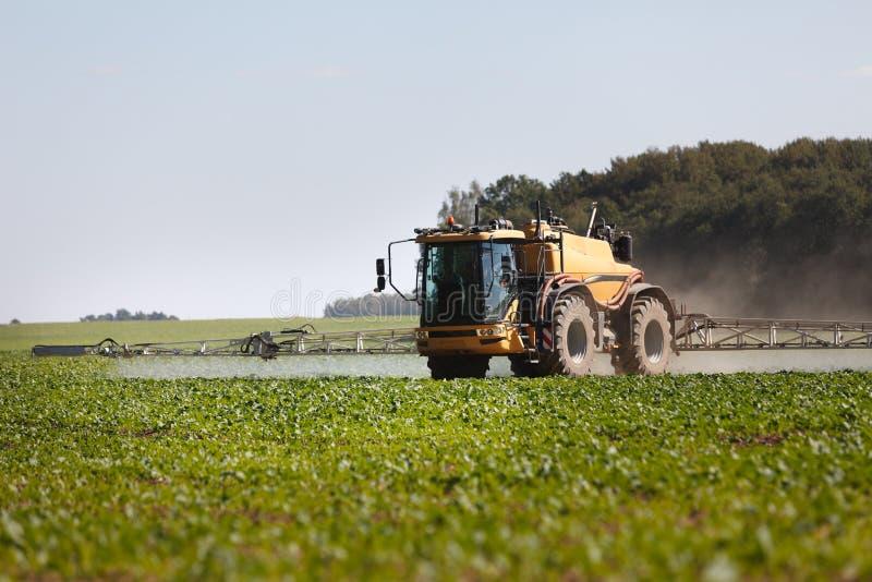 Landwirtschaftlicher chemischer Sprüher lizenzfreie stockbilder