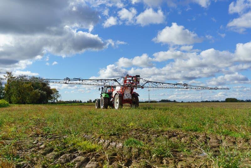 Landwirtschaftlicher chemischer Sprüher lizenzfreies stockbild