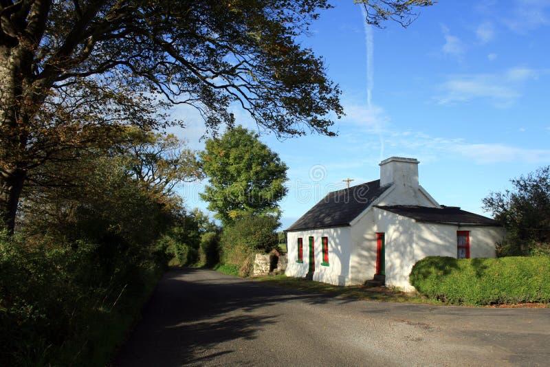 Landwirtschaftliches irisches Häuschen lizenzfreie stockbilder