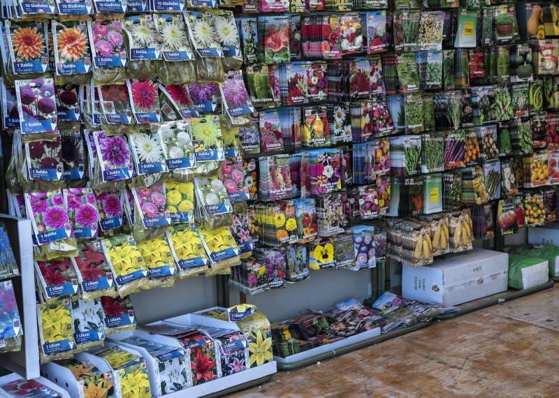 Landwirtschafts-Samen für Gemüseanlagen im Verkauf stockbild