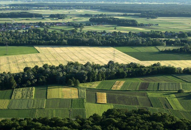 Landwirtschaftsfelder von der Luft stockbilder