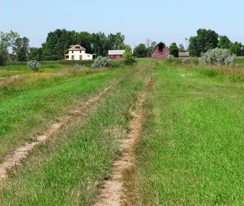 Laneway à la vieille ferme. images stock