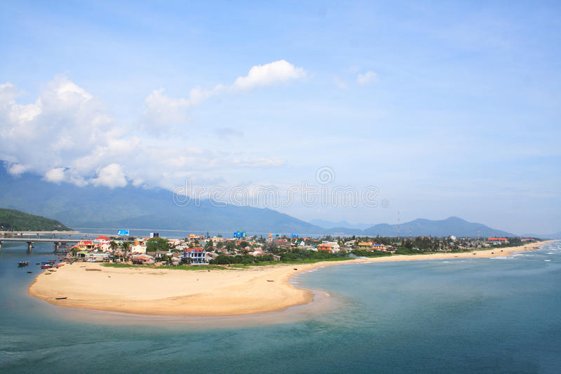 Lang Co-strand van Hai Van-pas, Tint, Vietnam royalty-vrije stock afbeelding