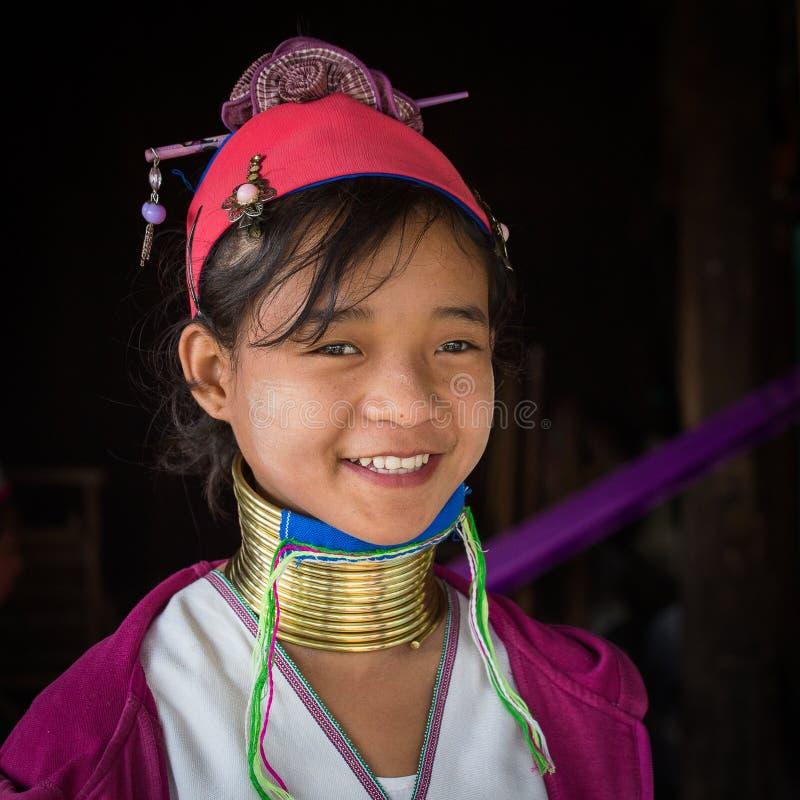Lang-necked de stamvrouw van de portret padaung stam Inlemeer, Myanmar, Birma stock afbeeldingen