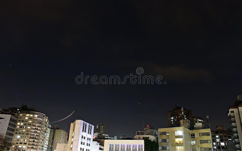 Lange Belichtung: Sterne und Fläche gefangen genommen stockfoto