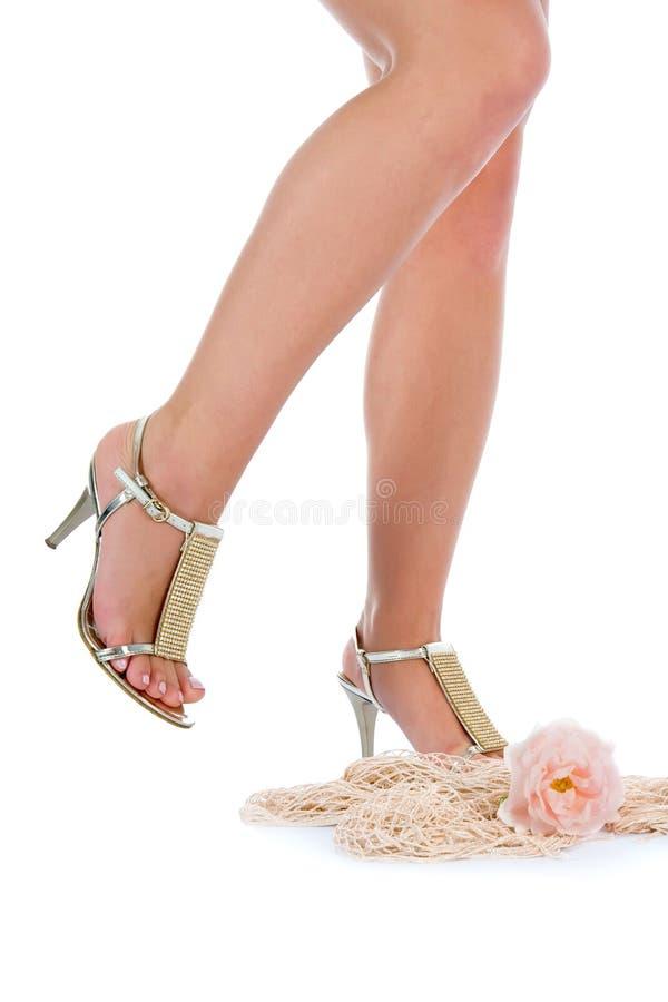 Lange benen op hoge hielen stock foto's