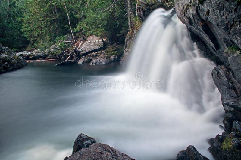 Lange Blootstellingswaterval bij Onderstel Carleton Provincial Park stock afbeelding