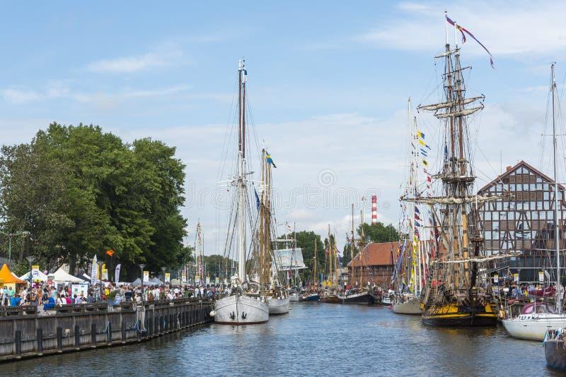 Lange die Schepen in Klaipeda worden vastgelegd royalty-vrije stock fotografie
