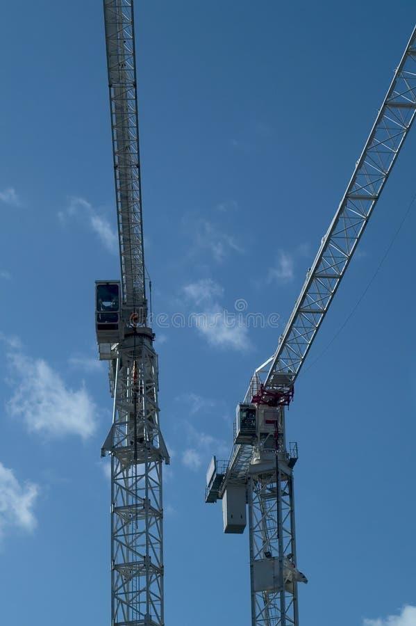 Download Lange kranen stock foto. Afbeelding bestaande uit ontwikkeling - 33234