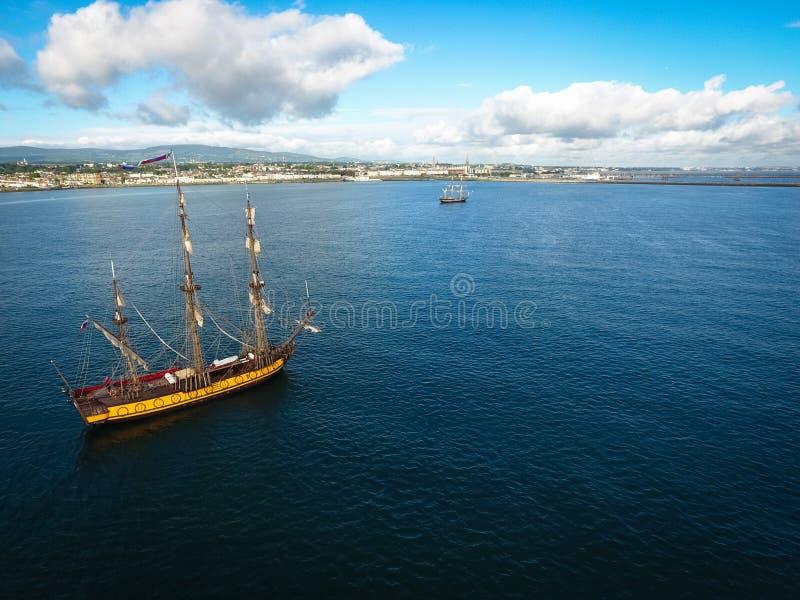 Lange schepen Dublin Riverfest 2017 ierland royalty-vrije stock afbeeldingen