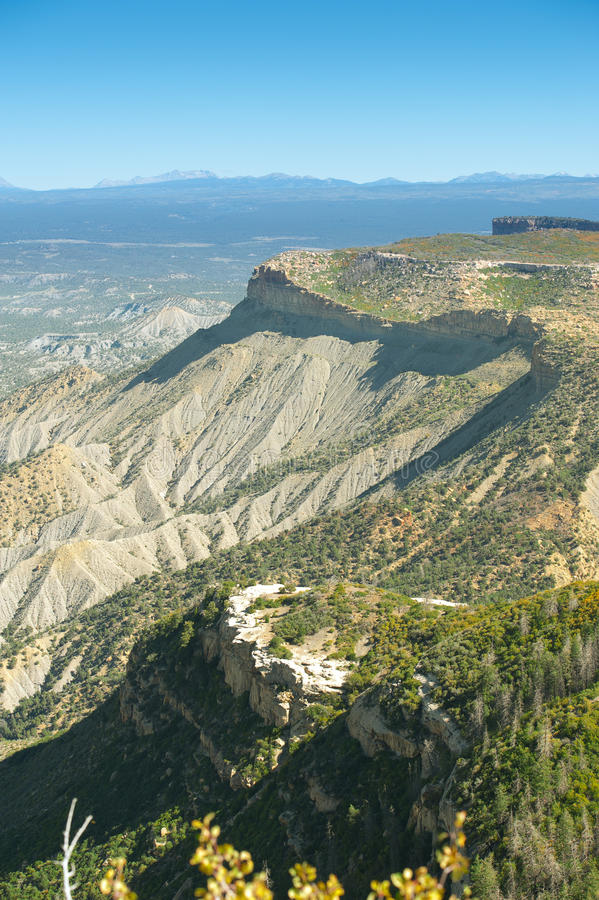 Lange Sicht Mesa Verde lizenzfreie stockbilder