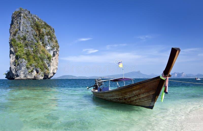 Lange staartboot in Thailand stock afbeeldingen