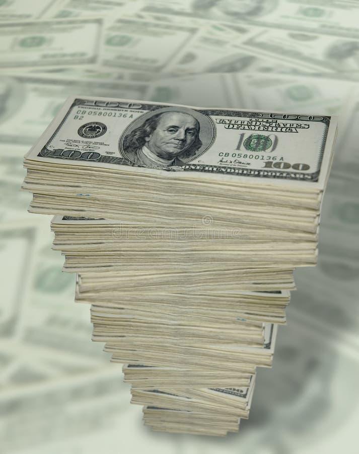Lange stapel van contant geld.