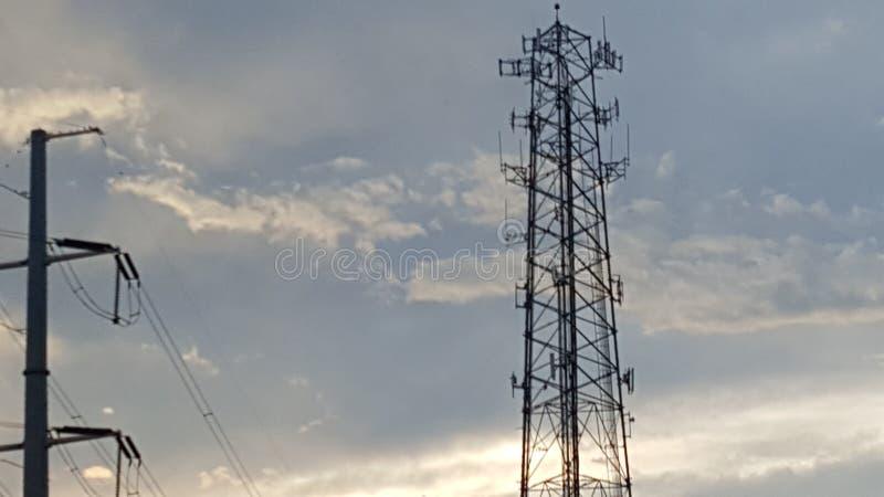 Lange torens mooie hemel royalty-vrije stock foto's