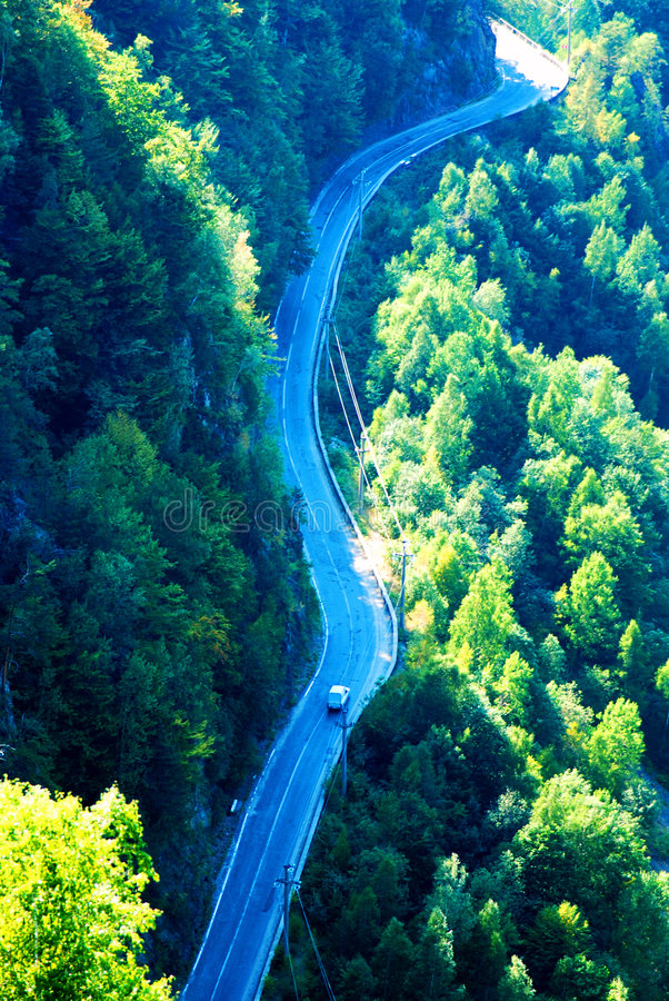Lange windende bergweg royalty-vrije stock foto