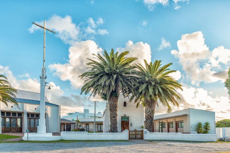 LANGEBAAN, SUDAFRICA, IL 20 AGOSTO 2018: La prima chiesa riformata olandese storica, ora chiesa metodista, in Langebaan in immagini stock libere da diritti