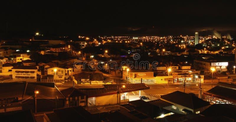 Langes Belichtungsstadtbild in Araraquara in Brasilien, Sao Paulo-MG stockfotografie