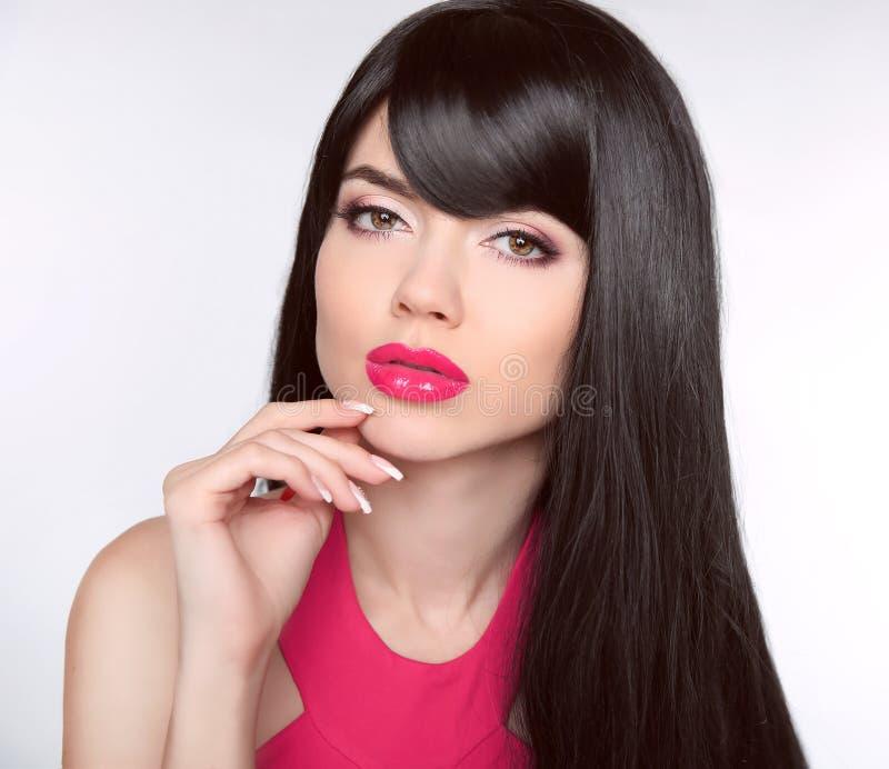 Langes gesundes Haar verfassung Manicured Nägel Schönes vorbildliches Mädchen lizenzfreie stockfotos