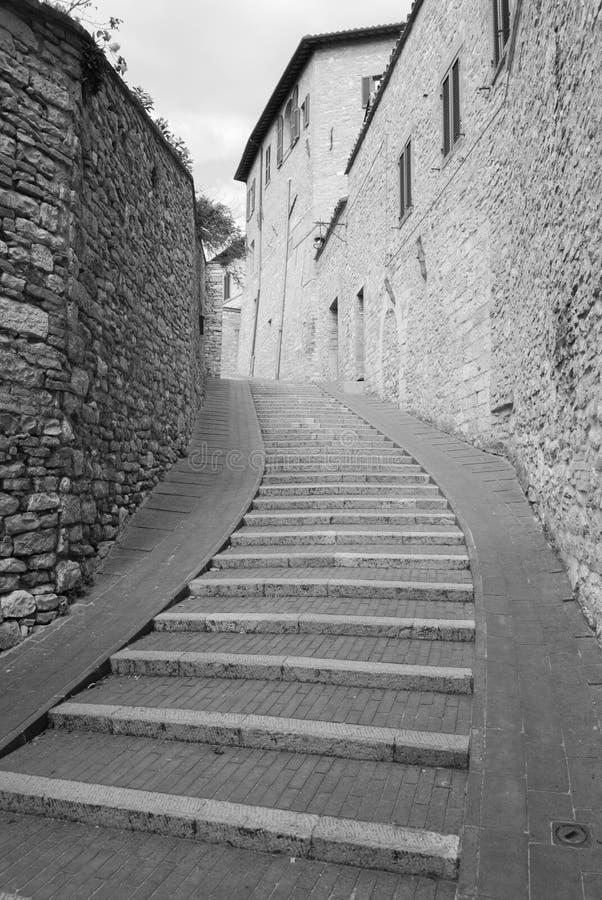 Langes Treppenhaus in einer Straße lizenzfreie stockfotos