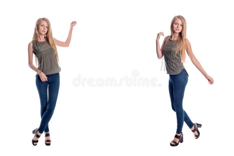 Langhaarige Blondine der Junge recht, die in der zufälligen Kleidung Darstellen, etwas zeigend, den Raum zu kopieren an lokalisie stockfotografie
