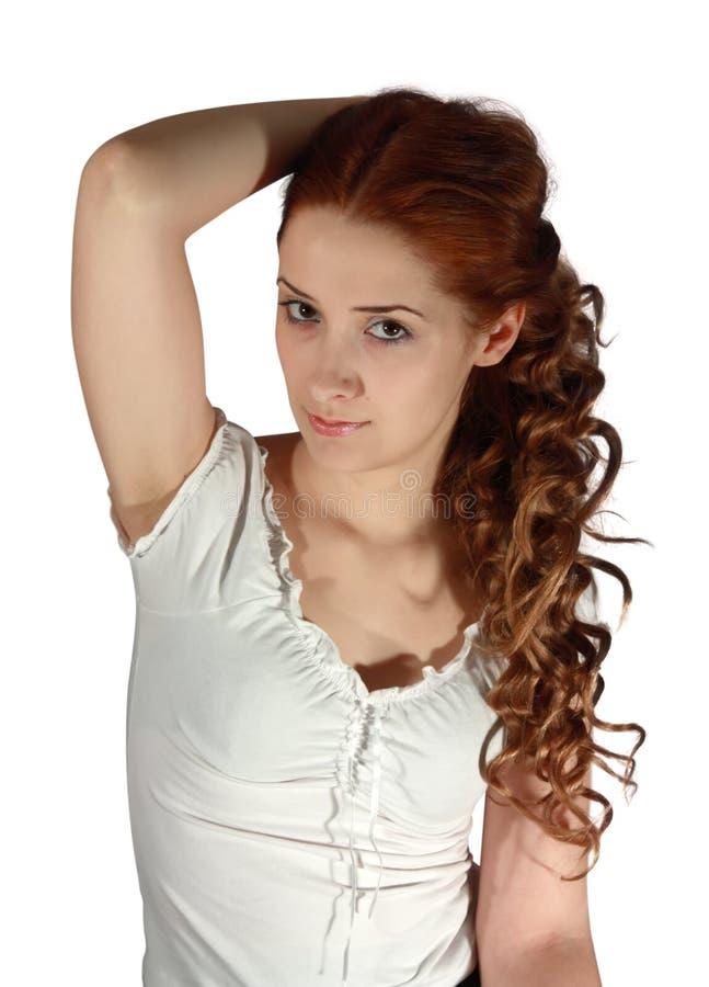 Langhaariges Mädchen auf Weiß lizenzfreie stockfotos