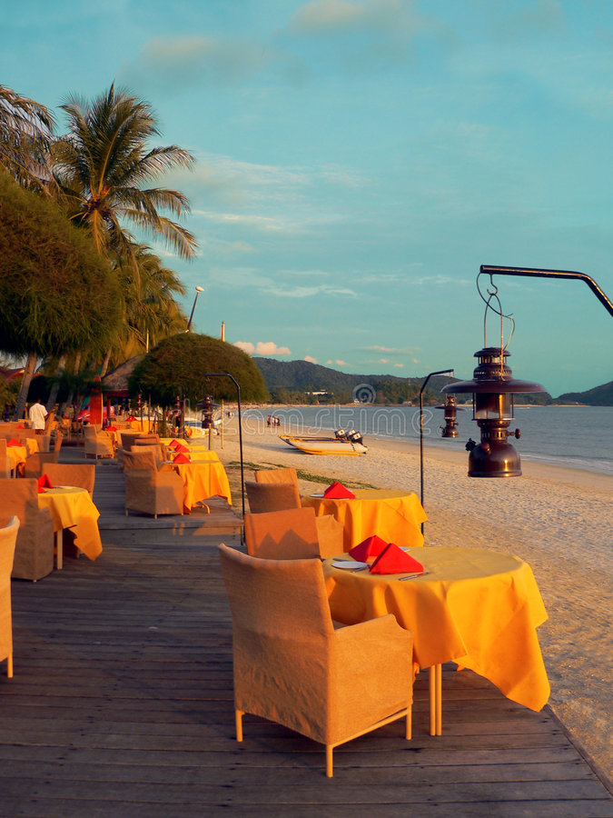 Langkawi. Vue en plein air de mer de restaurant de plage images stock