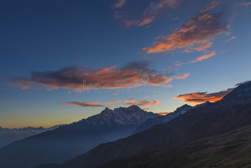 Langtang Lirung no por do sol imagens de stock royalty free