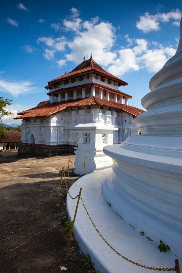 Lankatilaka Vihara是在康提,斯里兰卡Udunuwara位于的古老佛教寺庙  免版税图库摄影