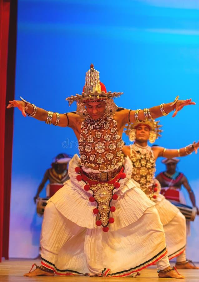 Lankijczyka tradycyjnego tana występu przedstawienie fotografia royalty free