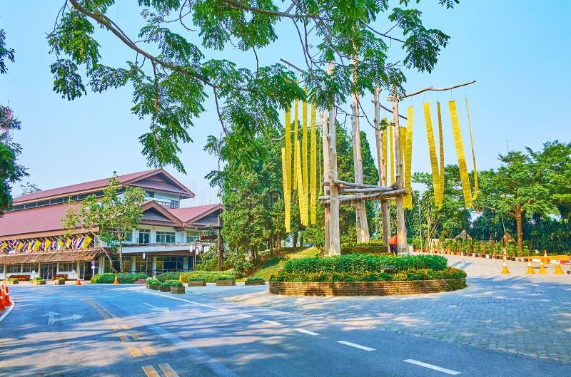 Lanna-Flaggen im Quadrat, Mae Fah Luang-Garten, Doi Tung, Thailand stockbild