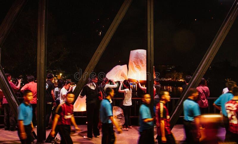 Lanna Yi Peng spławowi lampiony w Loy Krathong festiwalu Chia zdjęcia stock