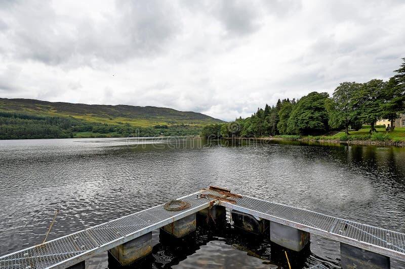 Lanndscapes av Loch Ness och Port Arthur i högländerna, Skottland arkivbild
