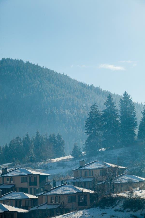 Lanscape för bergby arkivbilder