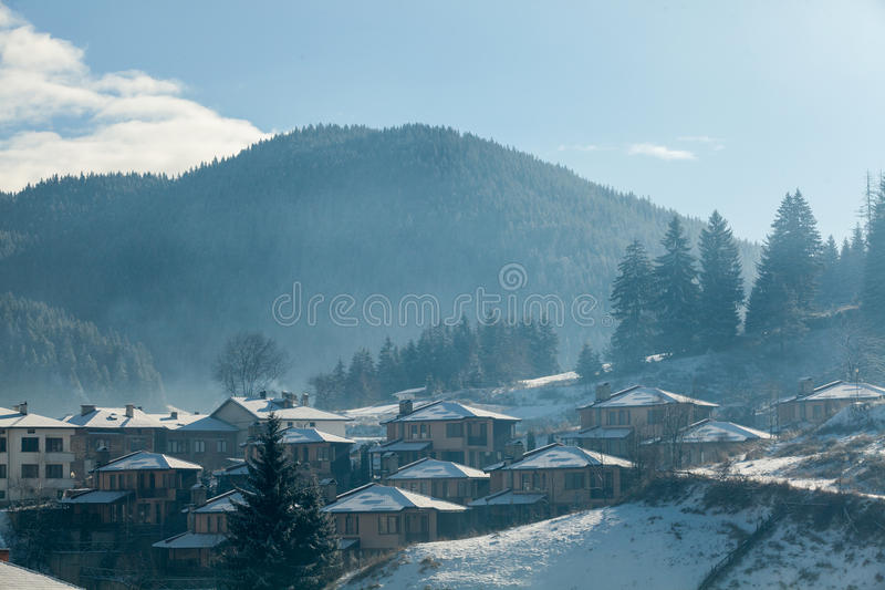 Lanscape för bergby arkivfoto