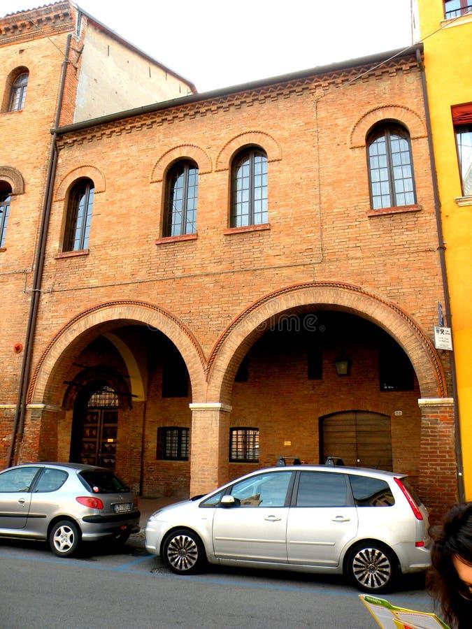 Lanscape urbano típico em Ferrara, Itália fotos de stock