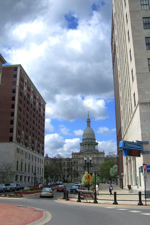 Lansing, Michigan mit Zustands-Kapitol-Gebäude stockbilder