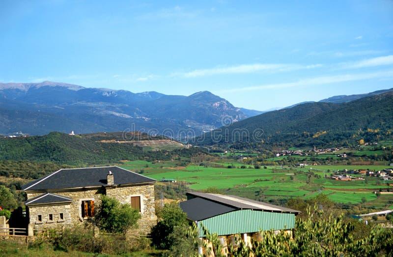 lantbrukarhem pyrenees arkivfoto